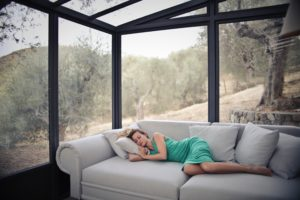 Learn how to beat jet lag on your summer vacation and get a good night's sleep!